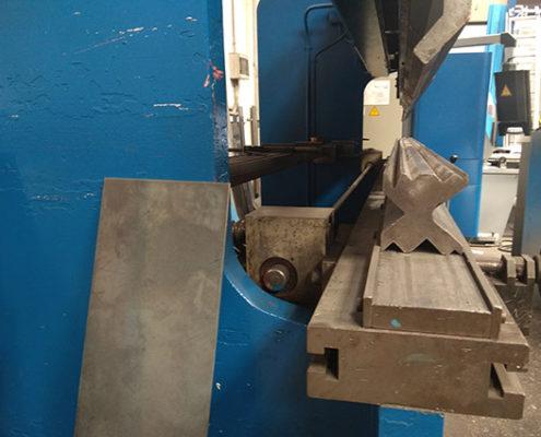 Plegadora hidrogerca 90×300
